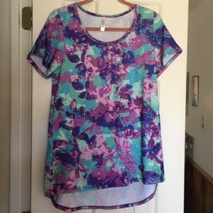 LuLaRoe Classic T new without tags L